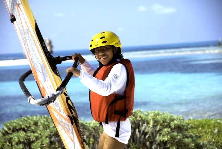 Learning to windsurf on Long Caye