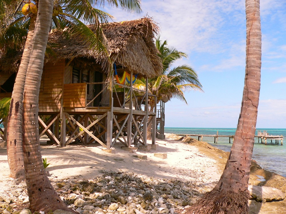 Long Caye beach cabana
