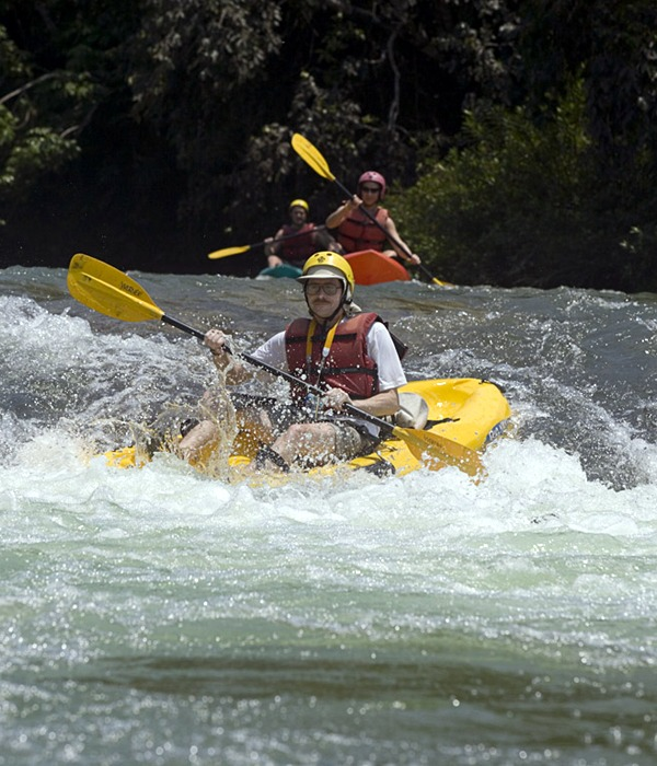 Learn to whitewater kayak on your Belize vacation!