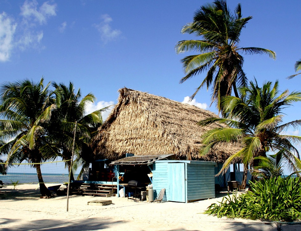 Renewable power supply on Long Caye