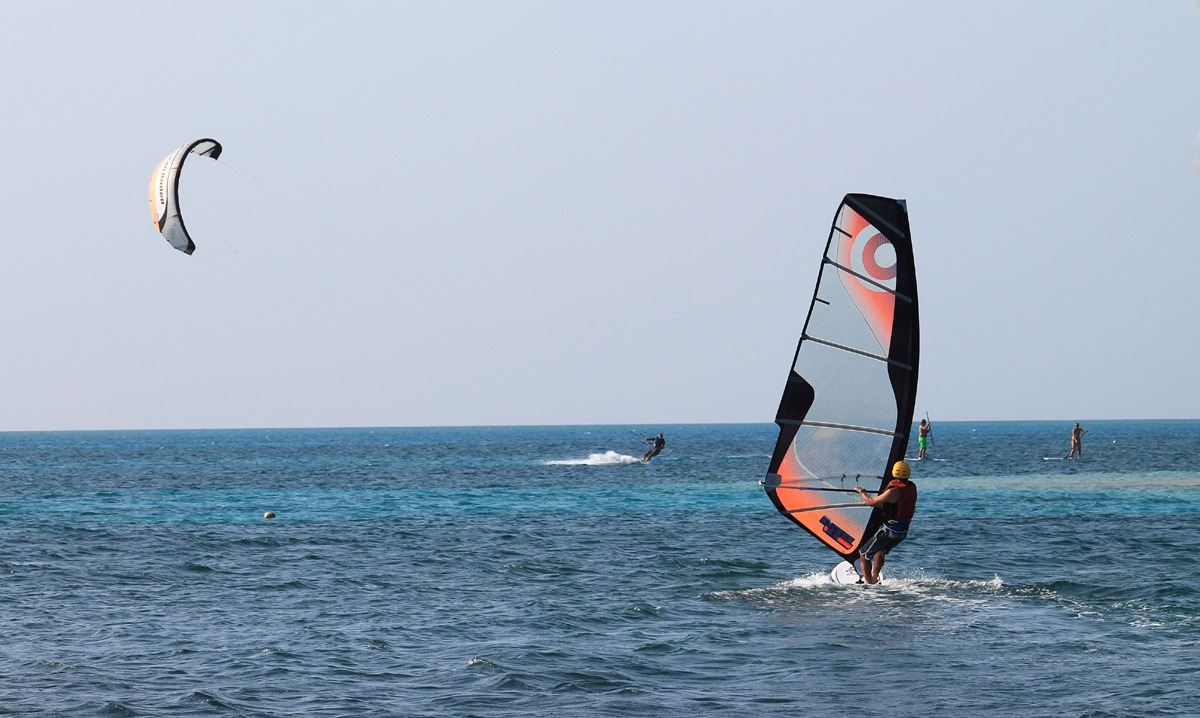The best months for windsurfing are December - March