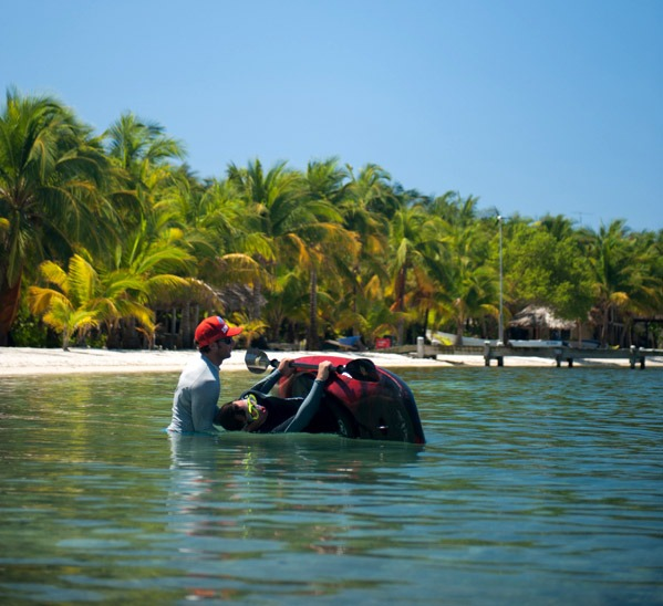 Rolling a kayak in Belize