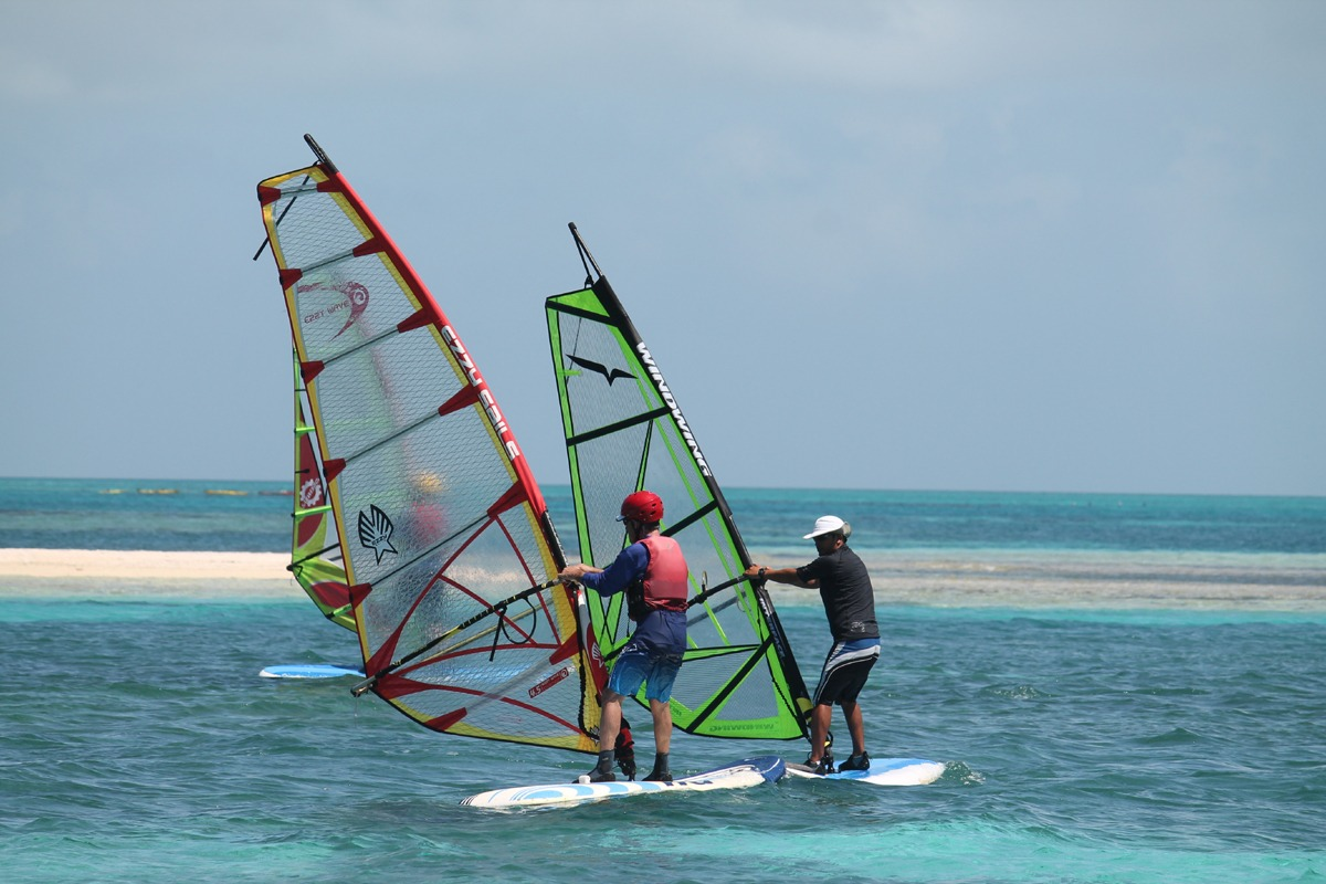 Learn to windsurf on vacation