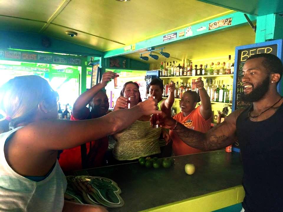 Barefoot Beach Bar in Placencia
