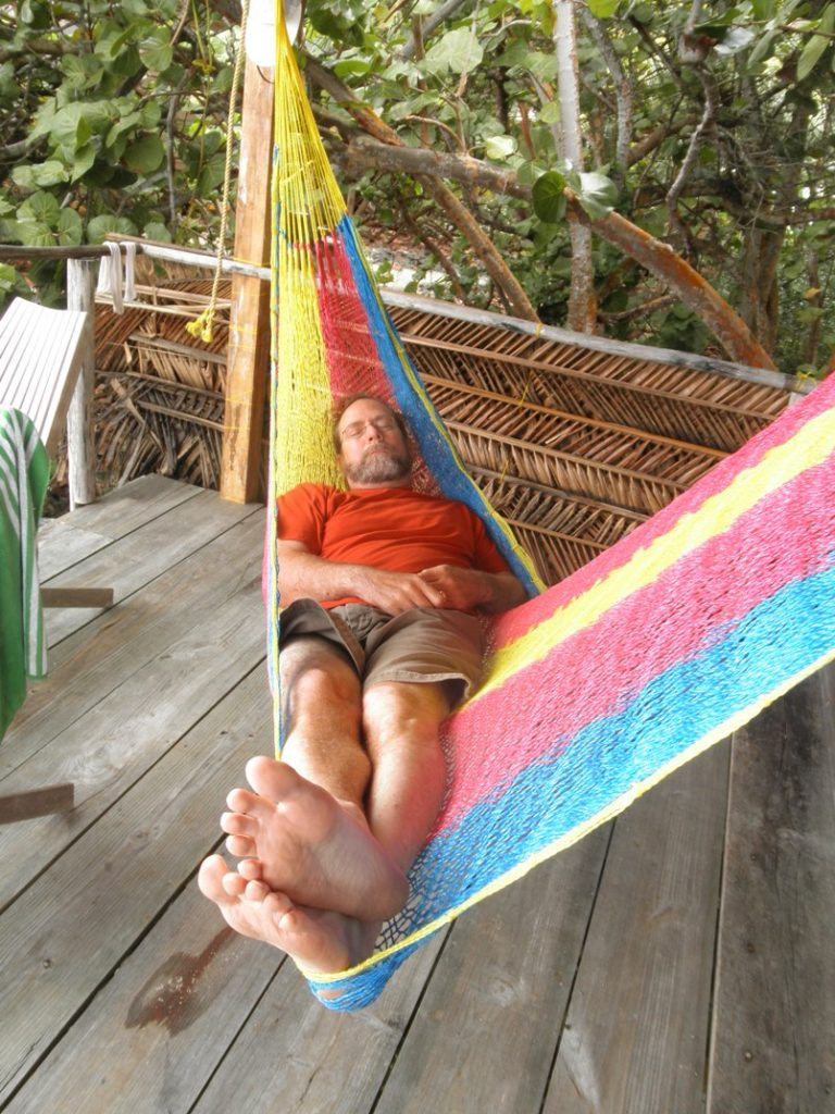Glovers Reef hammock surfing