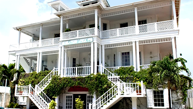 Where to stay in Belize City with one extra day